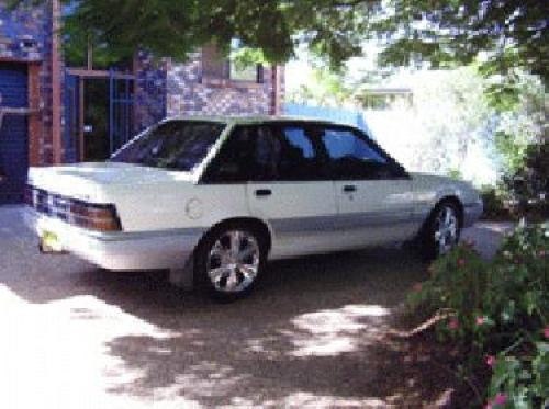 Used HOLDEN COMMODORE Specs. Build Date: 1988; Make: HOLDEN