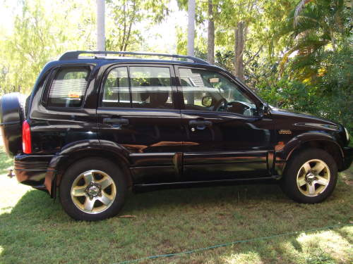 2000 used suzuki grand vitara limited edition sports. Black Bedroom Furniture Sets. Home Design Ideas
