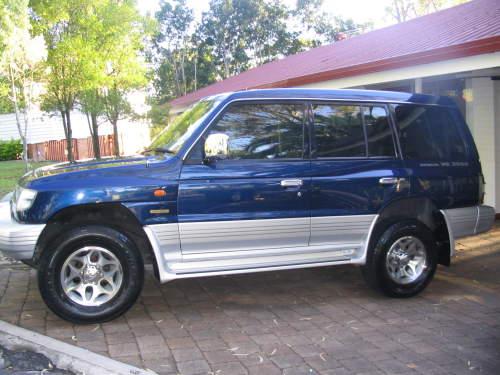 Mitsubishi Pajero Io 1999. 1999 Mitsubishi Pajero IO 1.8