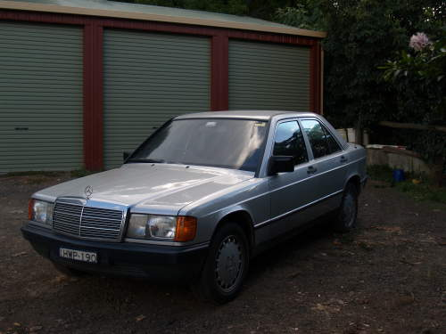 1985 used mercedes 190e w201 sedan car sales kurrajong heights nsw good 5 000. Black Bedroom Furniture Sets. Home Design Ideas