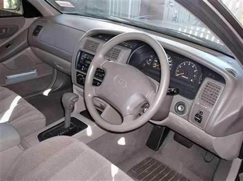 2000 used toyota avalon csx sedan car sales perth wa 11700 for Toyota avalon interior dimensions