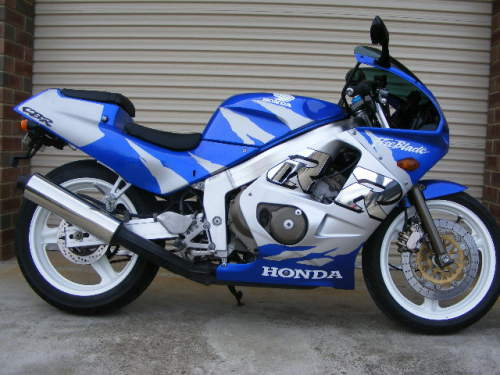 Used HONDA CBR250R for sale with HONDA CBR 250 R SWEET RIDE SWEET LOOK WHEN