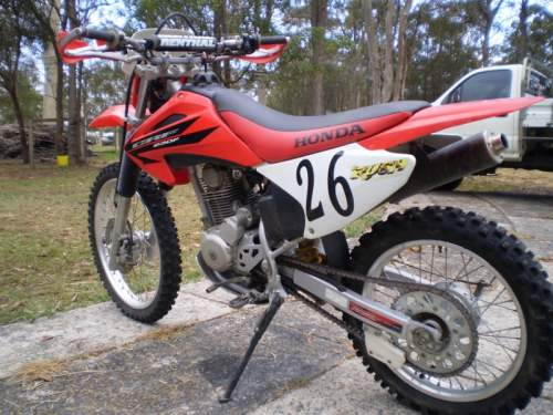 230 honda dirt bike excellent condition barely used 3500